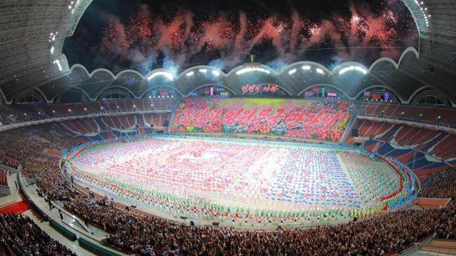 Kim Jong-un critica el «espíritu equivocado» de los juegos de masas