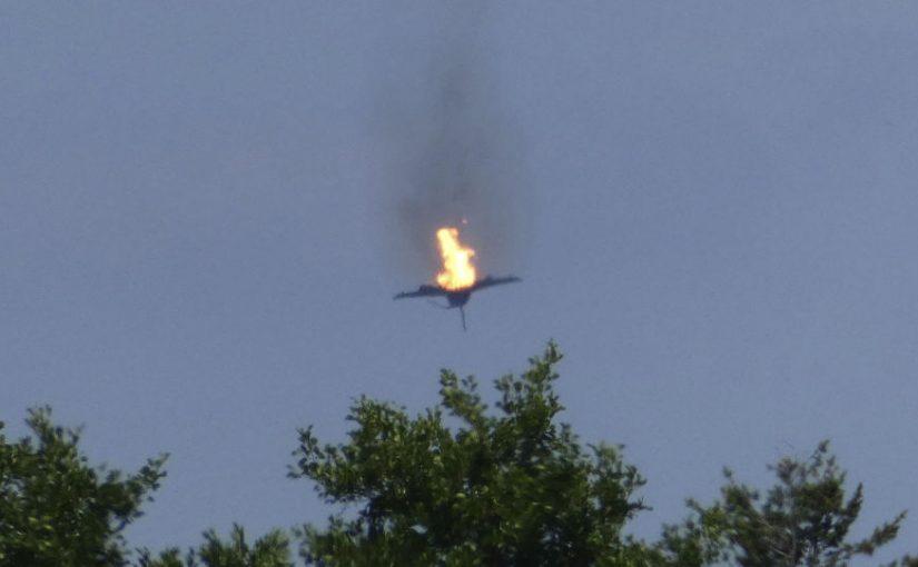Piloto muerto al chocar dos aviones de Eurofighter en pleno vuelo