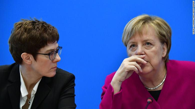 Los mejores planes de Angela Merkel se están desmoronando en Alemania